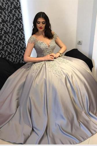 Silver Graduation Dresses 2018 Sweetheart Short Sleeve Open Back Applique Pearls Crystal Beads Sequins Quinceanera Dress Ball Gown Prom Dresses