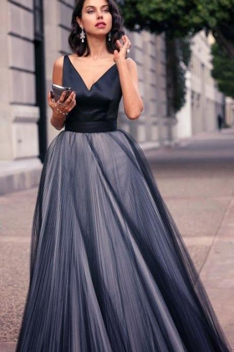 Black Evening Wear Dress 2017 V-Neck Pleats Elegant Backless Floor-Length Evening Dresses Spaghetti New Party Pageant Prom Gown Formal Gowns
