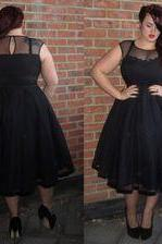 Plus Size Party Dresses Summer Party Gowns Sheer Neck Tea Length Evening Prom Gown All Black Short Sleeve Ruffles High Quality Fashion New