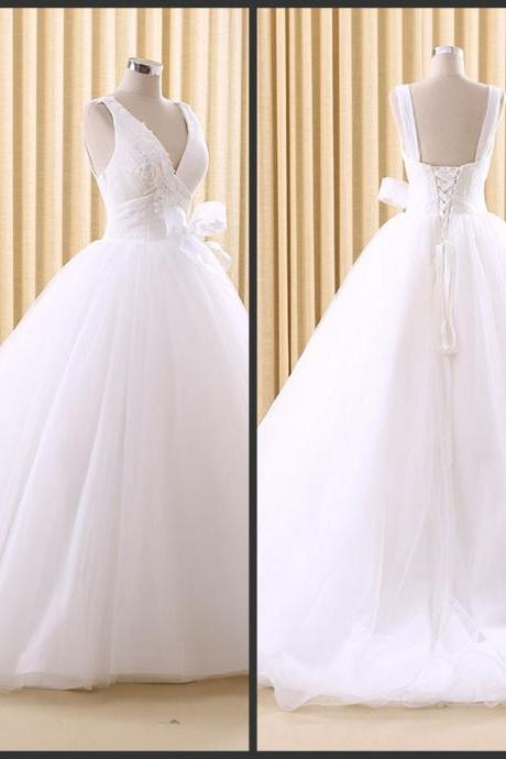 White Plus Size Wedding Dresses Lace Up Open Back Sexy Applique Beautiful Dresses Sweep Train 2016 Deep V-neckline